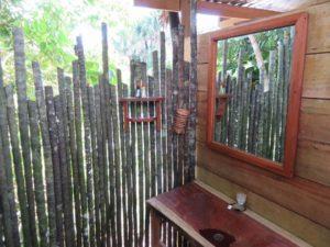 Maison dans les arbres (douche)